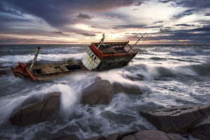 freighter-wrecked-at-sea